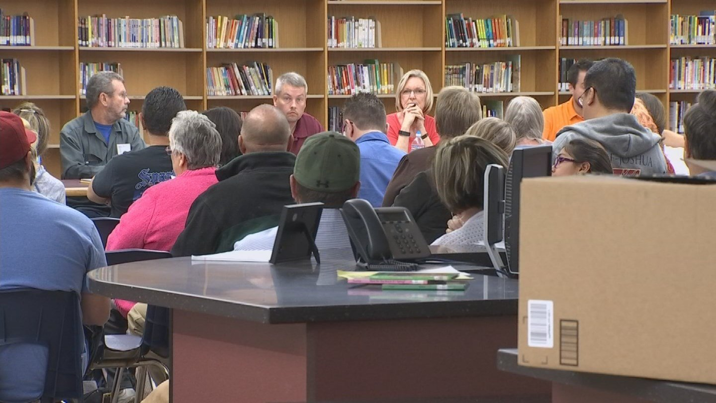 More than 60 residents attended Tuesday night's meeting. (Source: KPHO/KTVK)