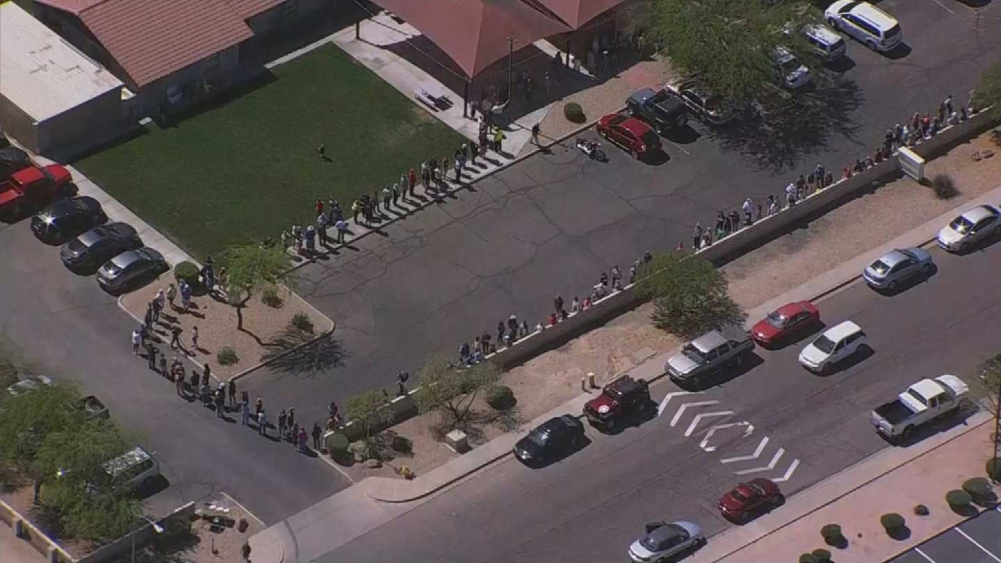 Arizona Democrats say long poll lines suppressed vote