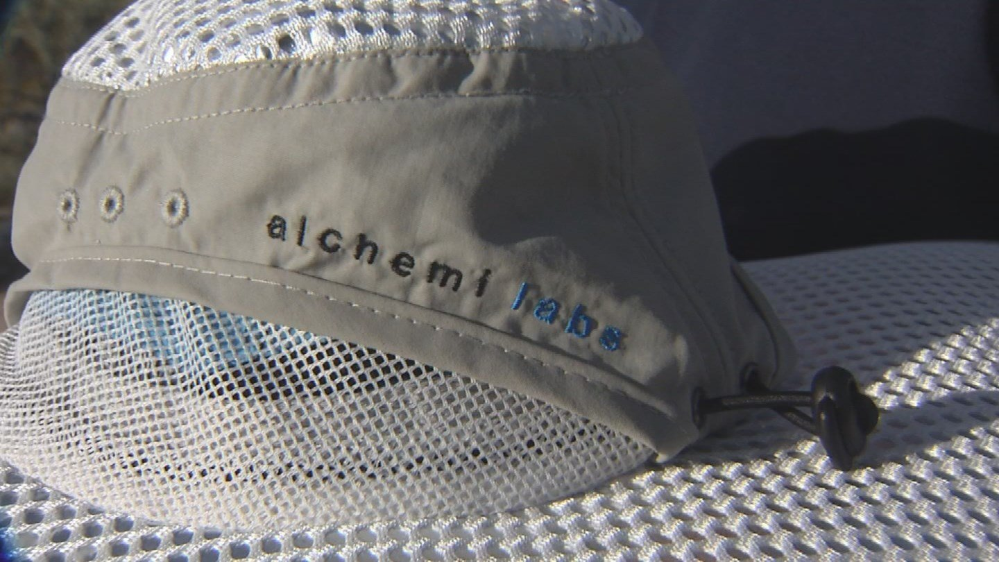 Alchemi Sun Hats can reflected up to 80% of the sun's heat (Source: KPHO/KTVK)