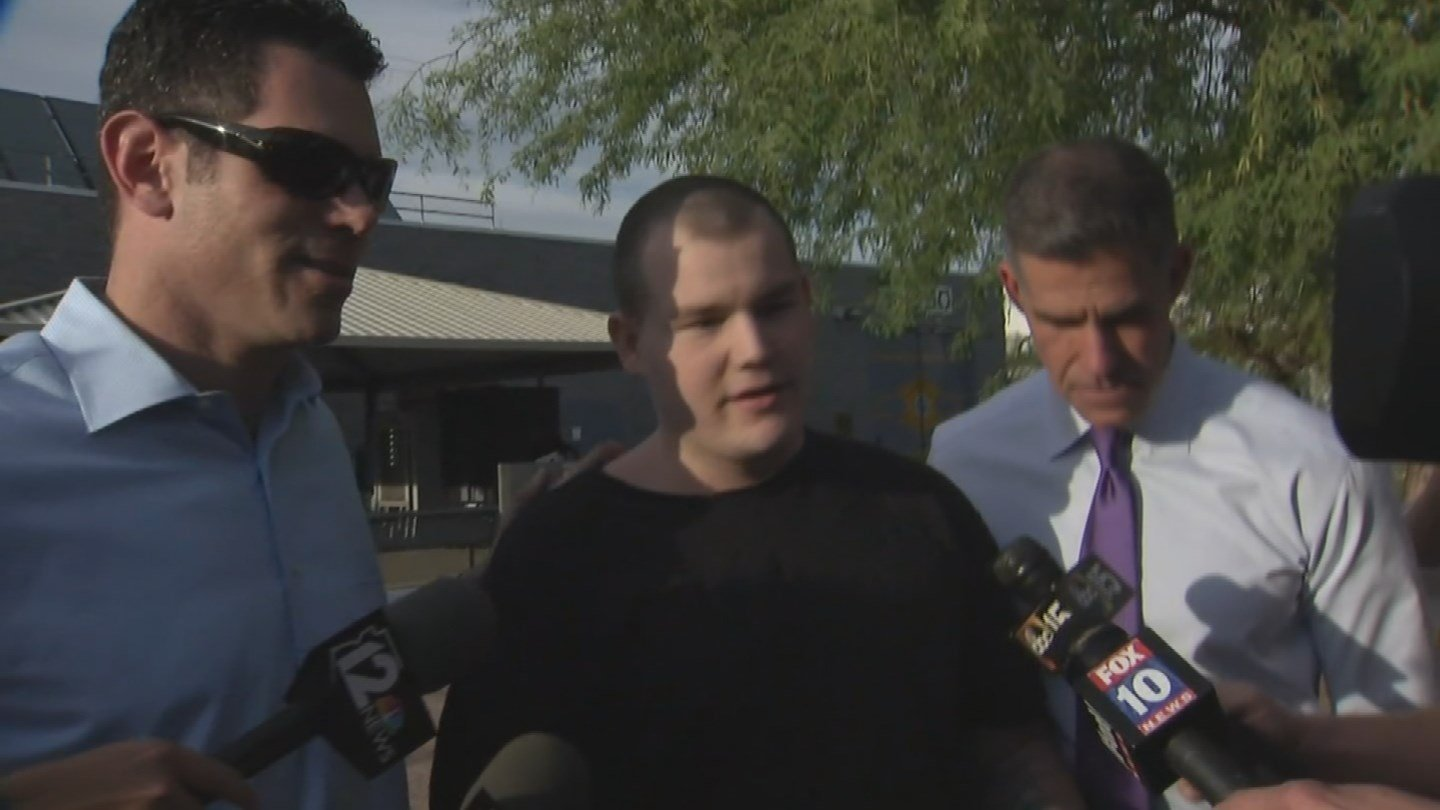 Freeway shooting suspect Leslie Merritt Jr. talks to the media after being released from jail on April 19, 2016 (Source: KPHO/KTVK)