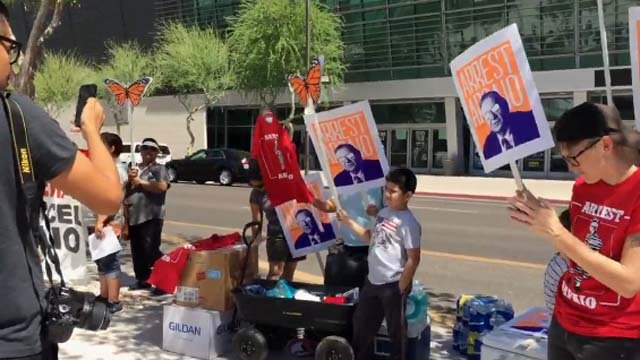 Arpaio protesters gathered outside the federal courthouse Tuesday morning. (Source: KPHO/KTVK)