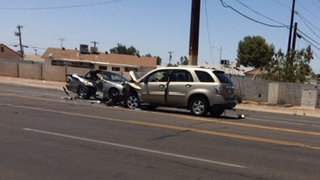 Police were investigating a serious crash at Thomas Road and 47th Avenue. (Source: Juan Magana,  KPHO/KTVK)