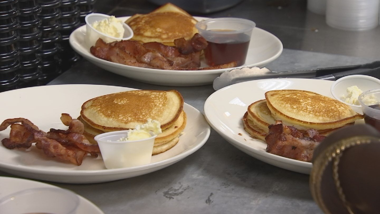 A pancake breakfast was part of the fundraiser for the Ellis family. (Source: KPHO/KTVK)