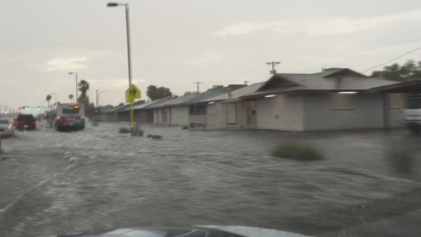 Flooding along Camelback. (Source: KPHO/KTVK)