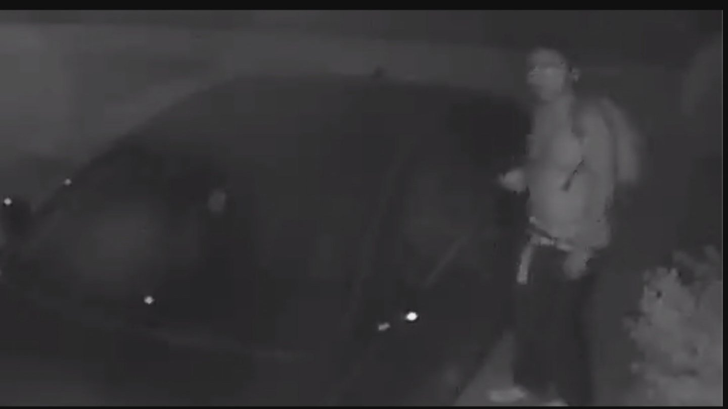 Thanks to the sharing of the surveillance video, the suspected thieves were caught. (Source: KPHO/KTVK)