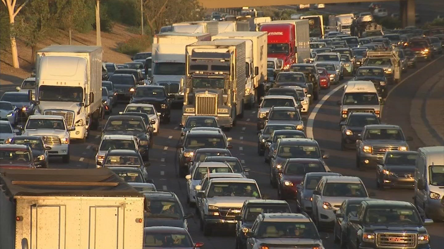 It is a common complaint among drivers who commute to or from the West Valley on Interstate 10. During rush hour, the freeway becomes congested. (Source: KPHO/KTVK)