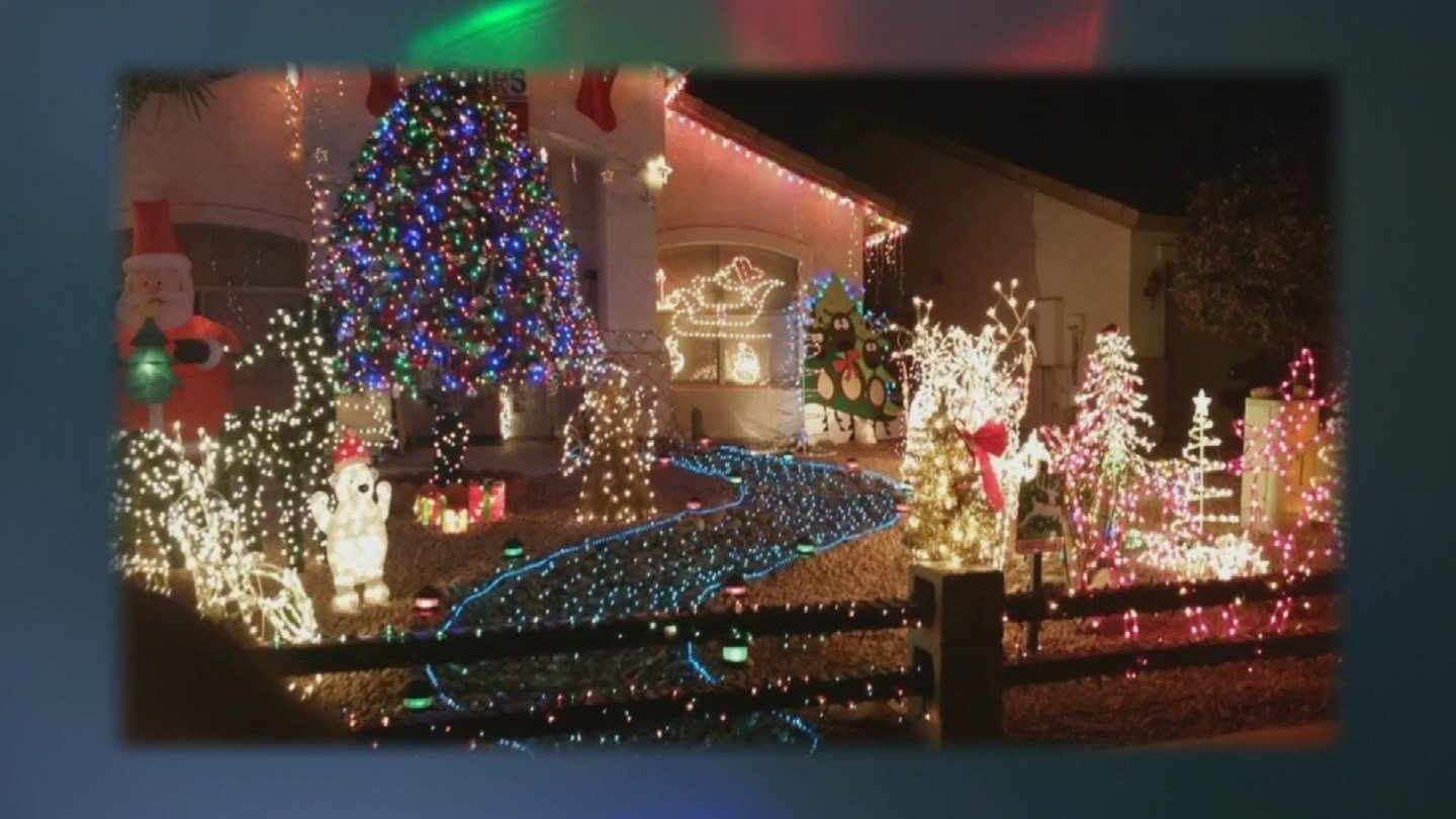 Ralph Turkenopf says he needs to start decorating his house on Nov. 1 but the HOA says that's too early. (Source: KPHO/KTVK)