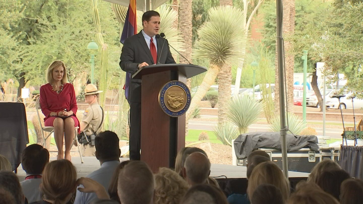 Arizona Gov. Doug Ducey on Monday ordered the state's employee insurance plan and its Medicaid plan to limit narcotic painkiller prescriptions in an effort to cut future drug addiction. (Source: KPHO/KTVK)