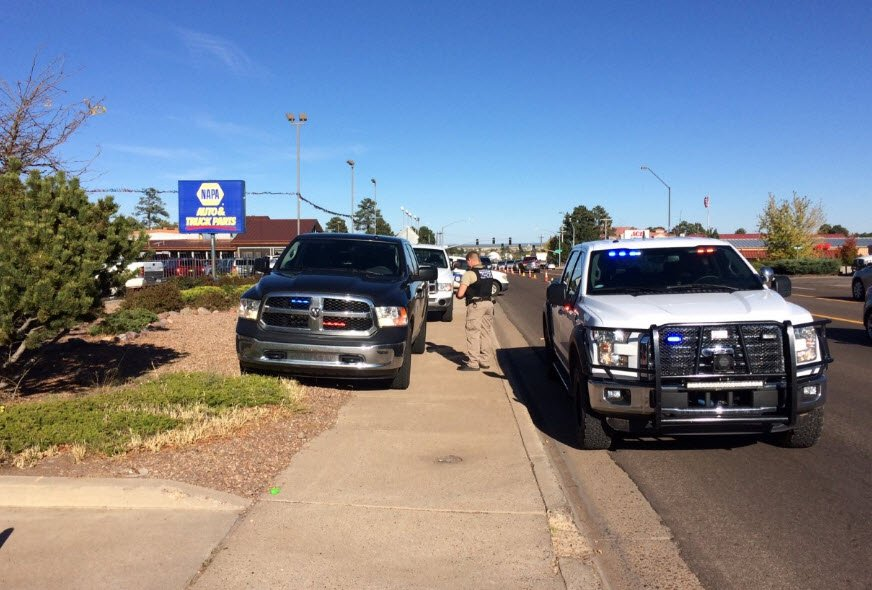 Arizona police officer shot, killed; suspect in standoff