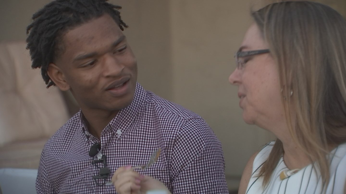 Jamal Hinton and Wanda Dench met up for Thanksgiving dinner after their texting mishap. (Source: KPHO/KTVK)