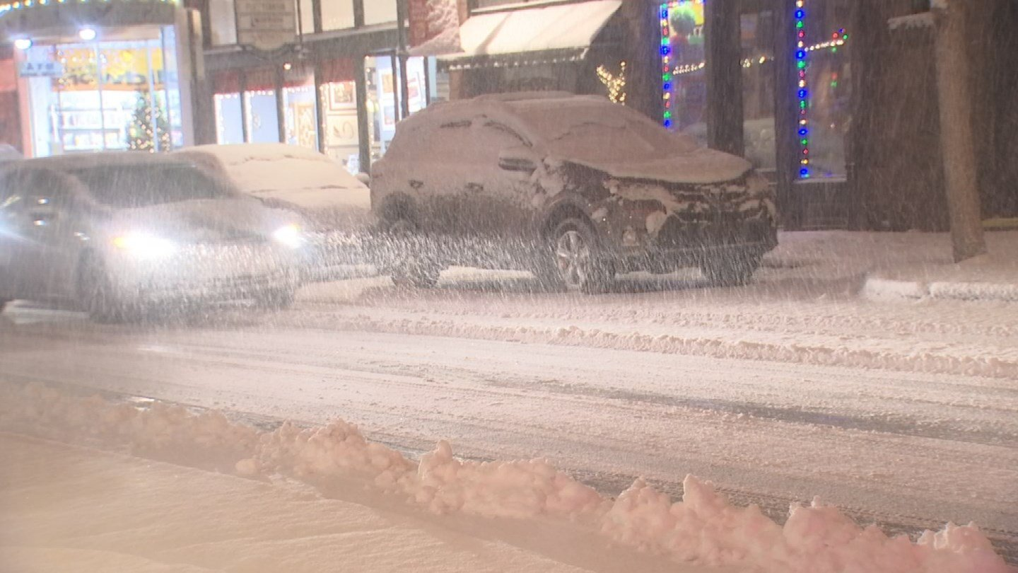 Snow in downtown Flagstaff. (Source: KPHO/KTVK)