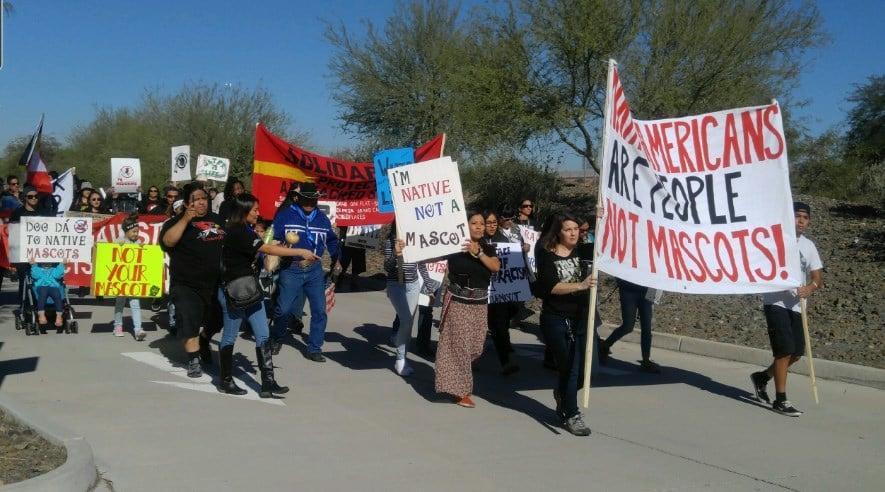 Activists rally in Glendale. (Source: Mike Schmidt, KPHO/KTVK)