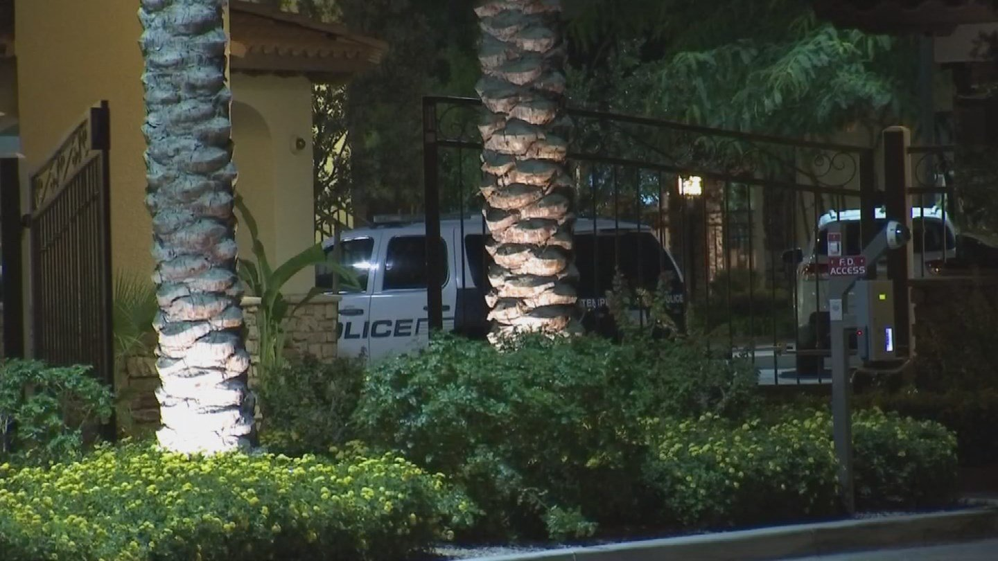 Police were called to an apartment complex southwest of Priest Drive and Warner Road at about 2:30 a.m. A woman said her husband was fighting with a burglar. (Source: KPHO/KTVK)
