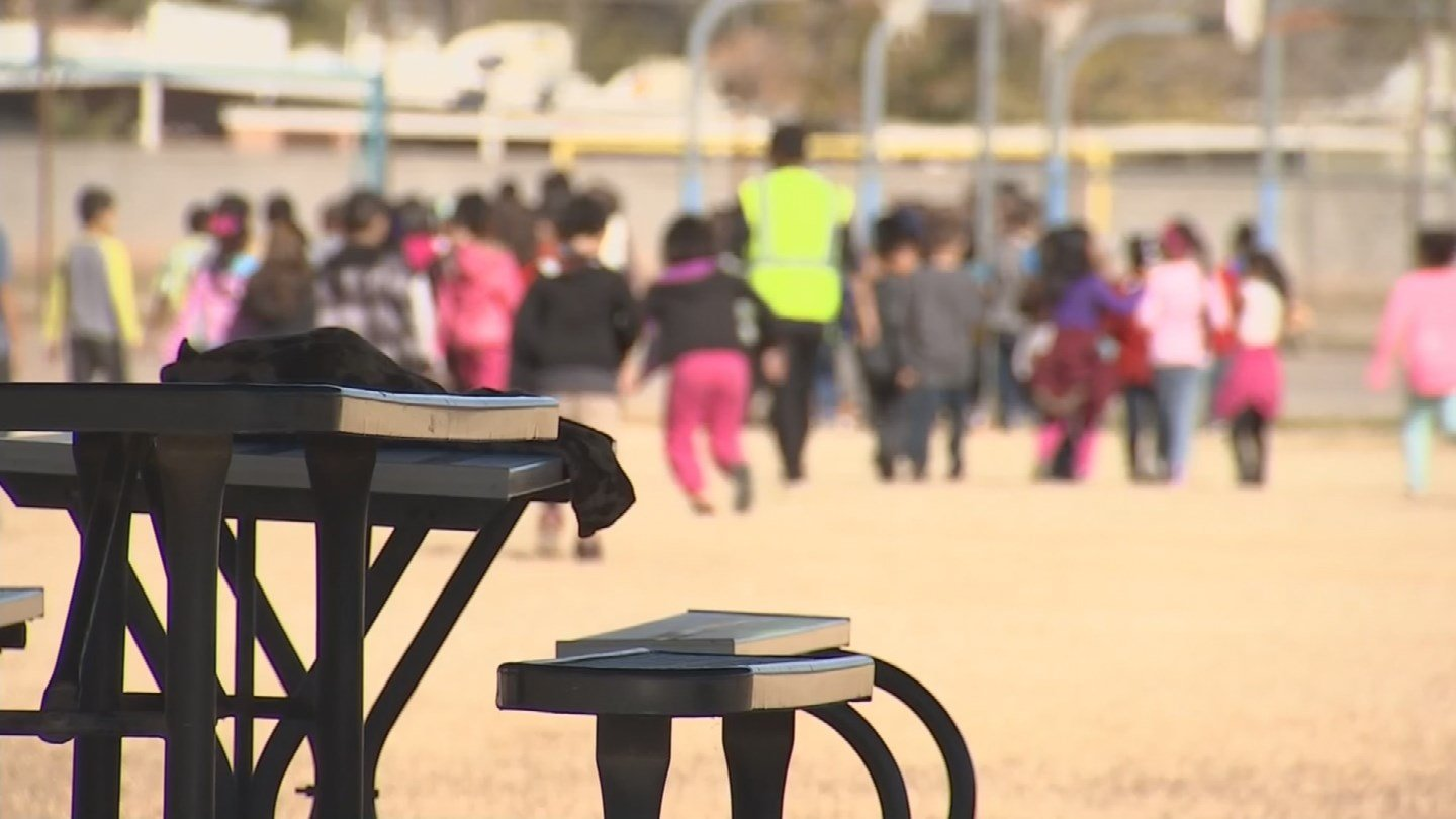Arizona kids could get a longer recess break if a new bill becomes law. (Source: 3TV/CBS 5)