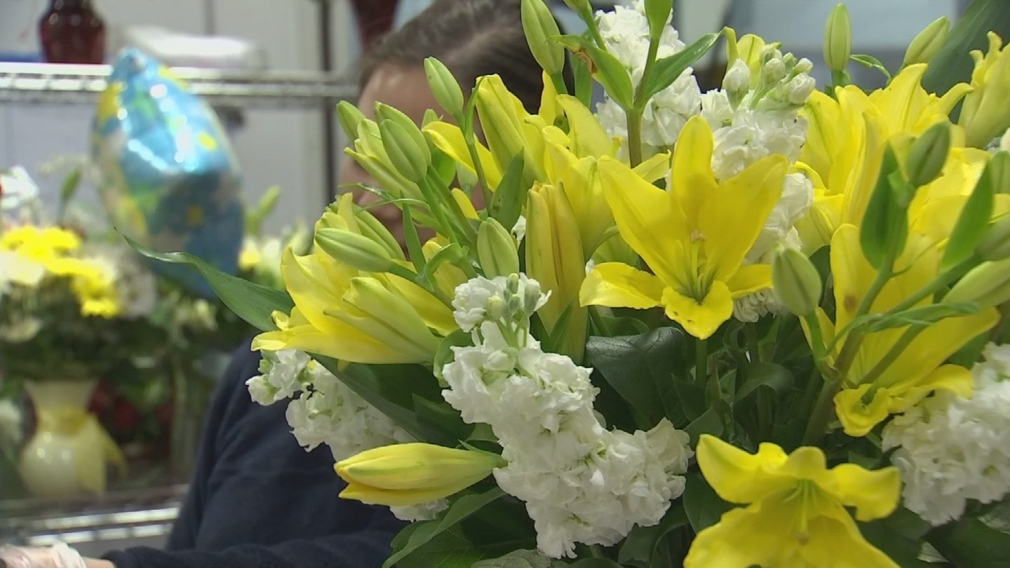 Arizona Flower Market said it hired up to 80 drivers for Valentine's Day deliveries. (Source: 3TV/CBS 5)
