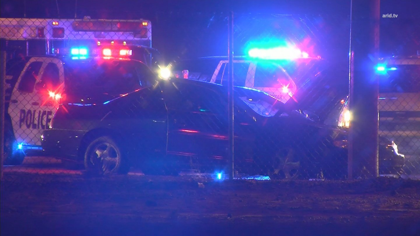 Wrong-way driver stopped in Goodyear, Ariz. after pursuit (Source: KPHO/KTVK)