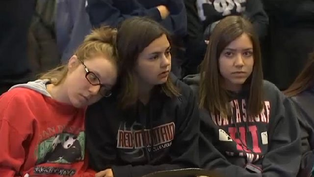 Studentsattend news briefing Friday morning after the shooting. (Source: KPHO/KTVK)