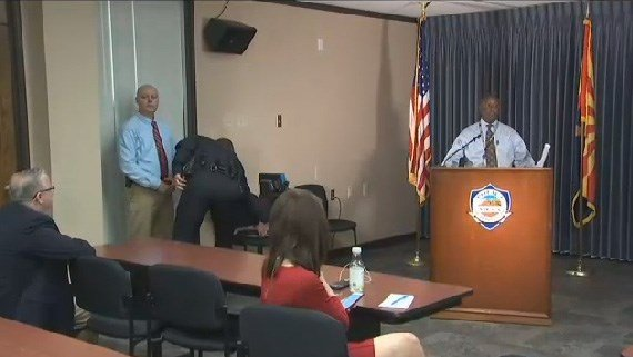 Mesa police briefing Tuesday morning. (Source: KPHO/KTVK)
