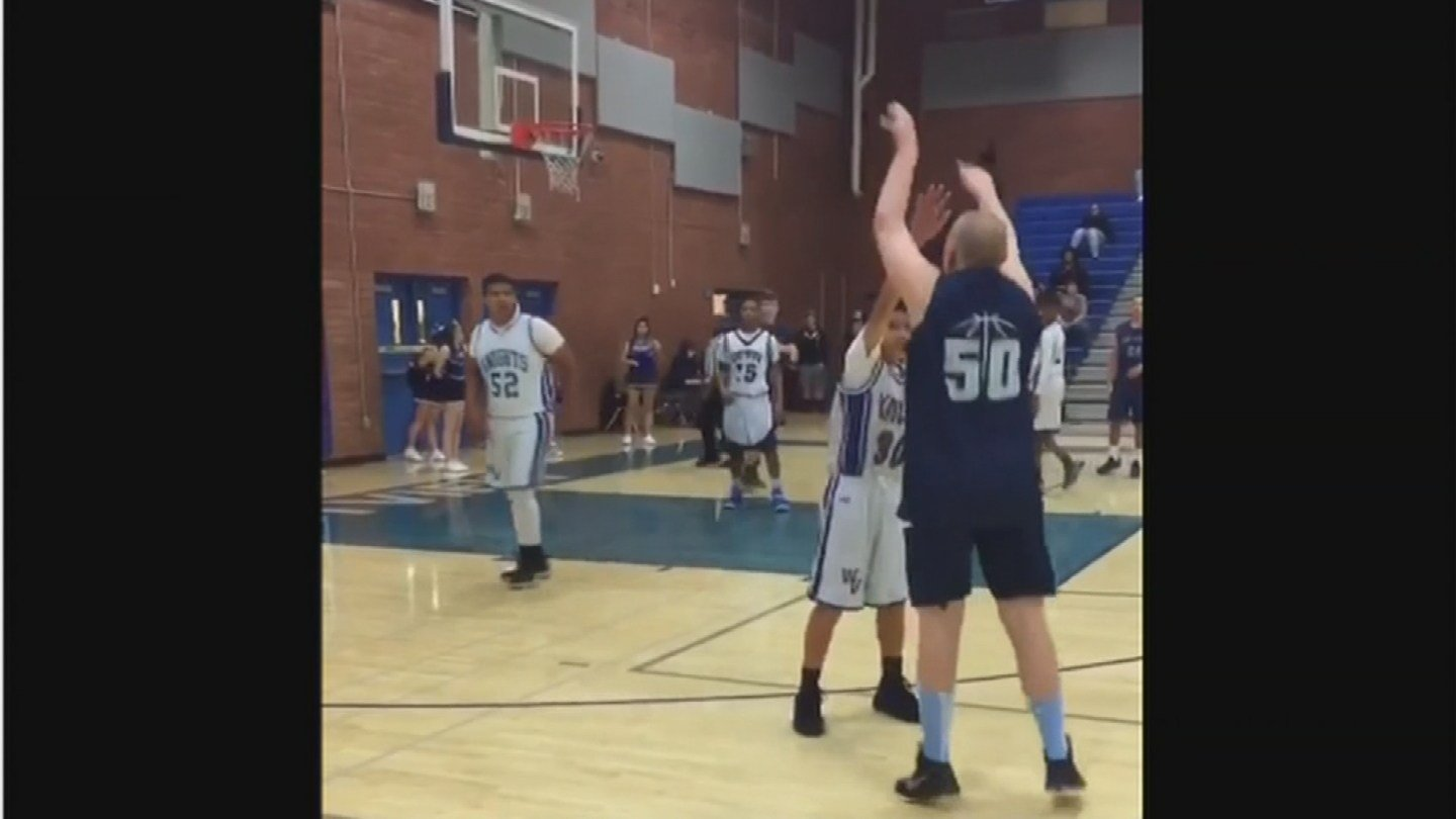 Korben shot from 3-point land, and it was nothin' but net. (Source: KPHO/KTVK)