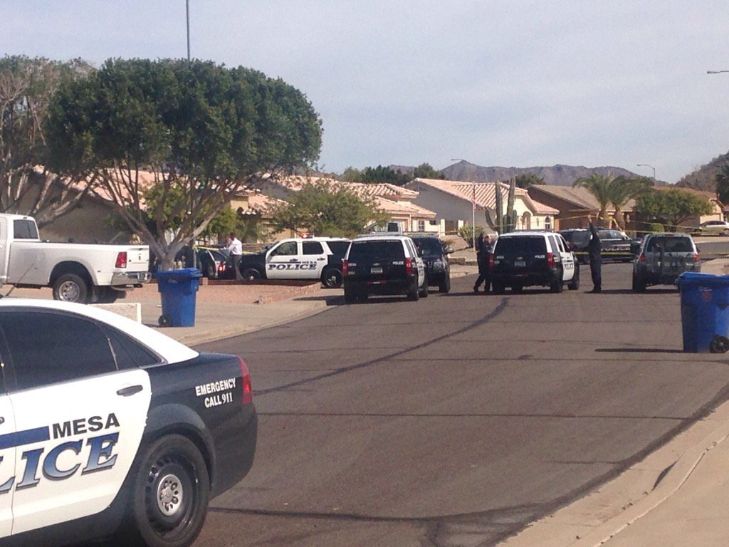 A view of police scene in Mesa (Source: KPHO/KTVK)