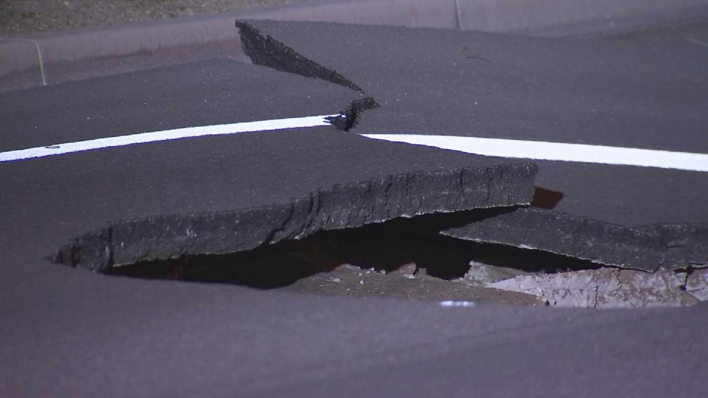 Sinkhole on Greenfield Road between Germann and Queen Creek roads in Gilbert (Source: KPHO/KTVK)