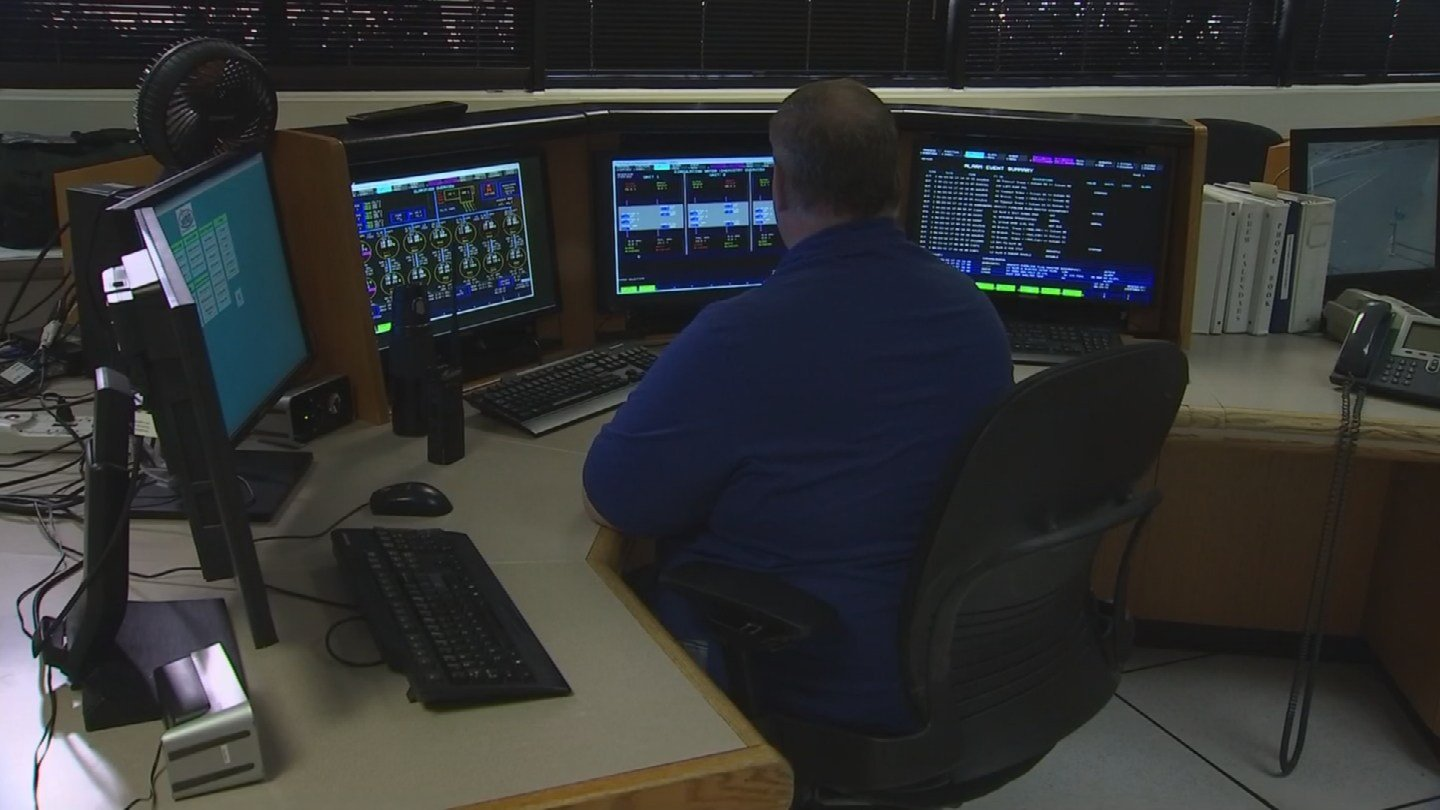 How the nation's largest nuclear power plant stays cool in ...