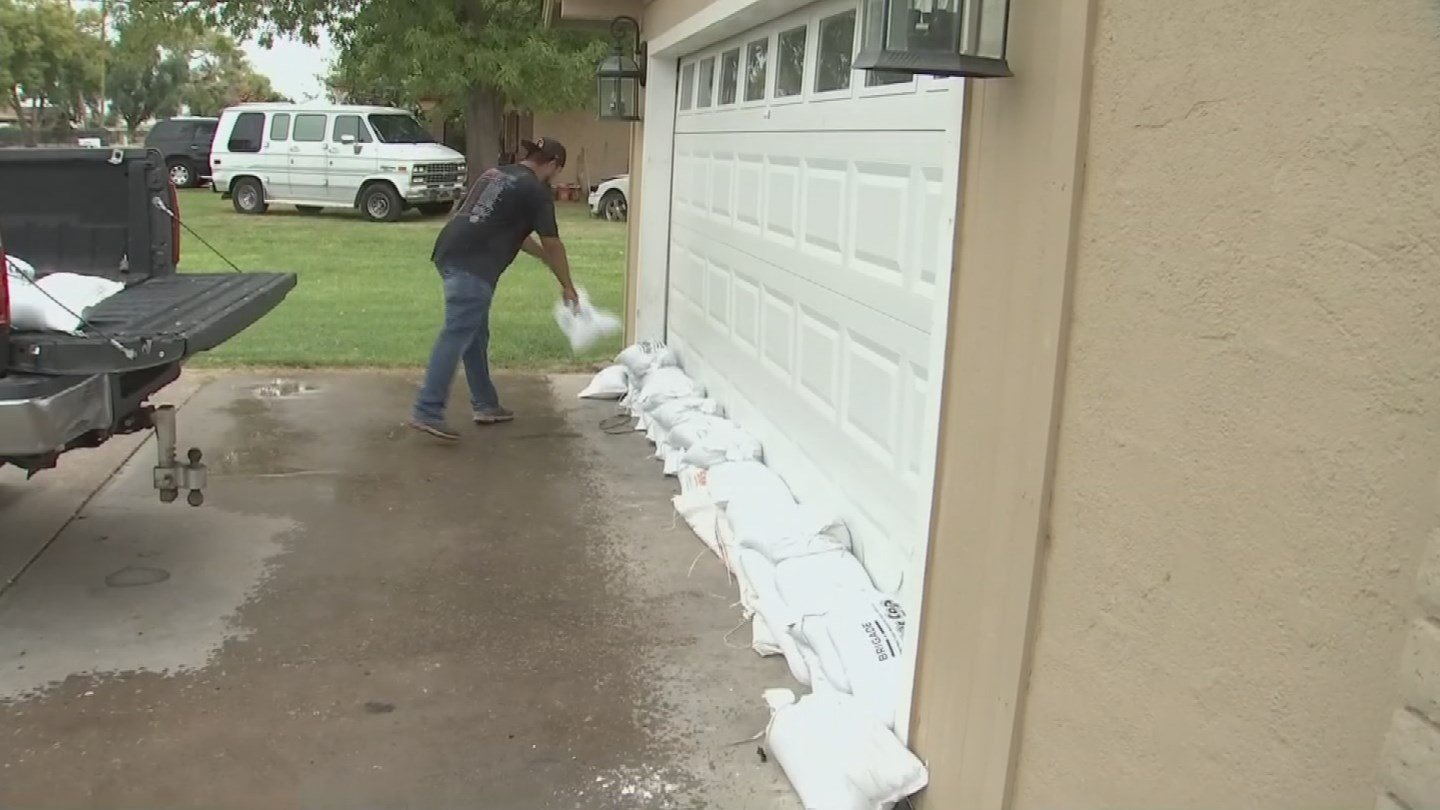 South Phoenix Braces For Storm 1 Year After Flood Arizonas Family