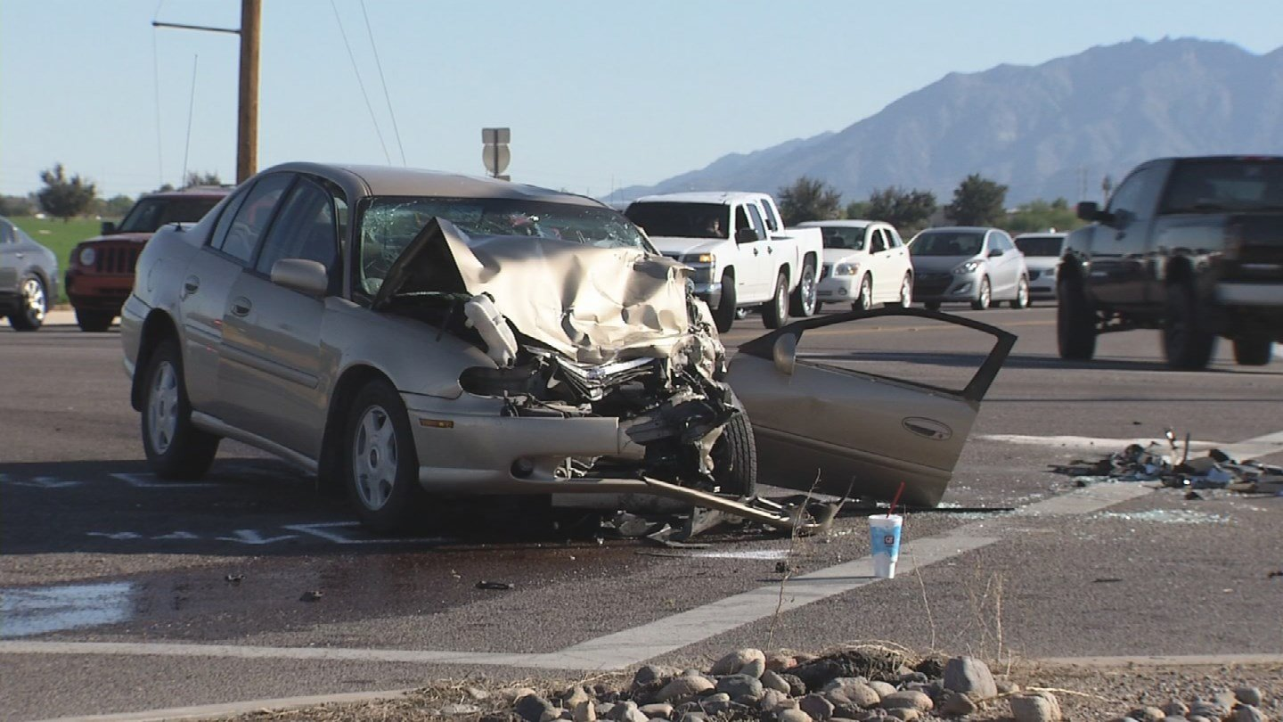 One woman, one child seriously hurt in Tolleson car crash ...
