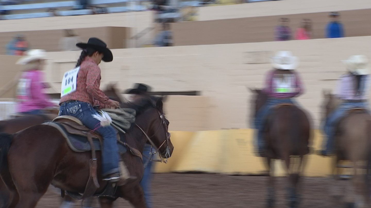 High School Students Shine In Rodeo At Az State Fair