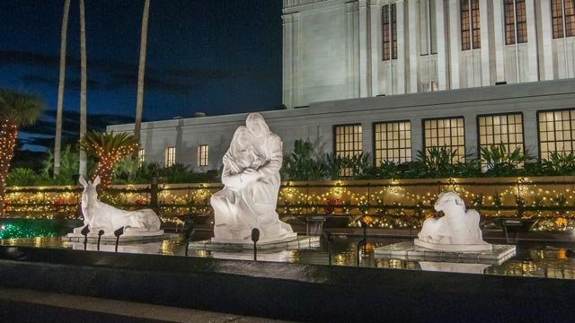 LDS temple in Mesa ready to turn on Christmas lights - Arizona's ...