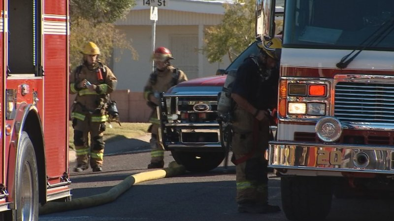 9 displaced in phoenix apartment fire arizona 39 s family for Red mountain motors mesa az