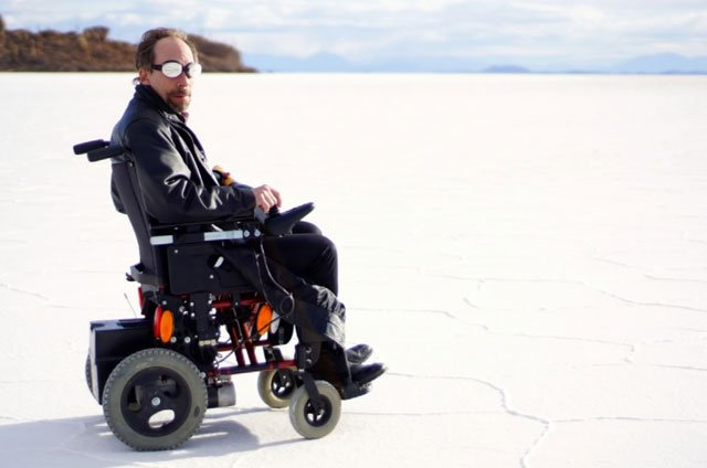 "Krauss plays ""Krauss,"" a wheelchair-bound bad guy in Salt and Fire. (Source: KPHO/KTVK)"